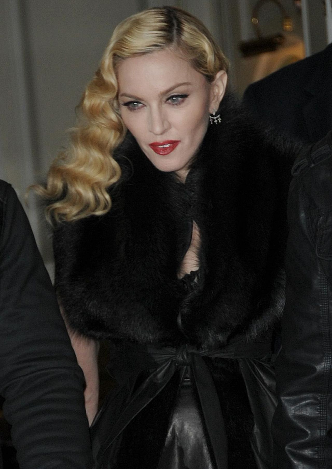 Madonna Style Arrives At Raspourtine Restaurant In Paris