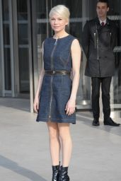 Michelle Williams – Louis Vuitton Fashion Show in Paris, March 2015