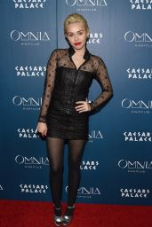 Miley Cyrus - Omnia Nightclub at Caesars Palace in Las Vegas, March 2015