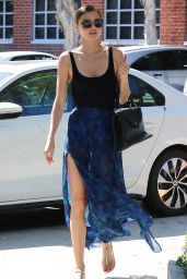 Miranda Kerr Casual Style - Out in Santa Monica, March 2015