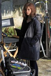 Nicola Peltz - Bates Motel Set Candids in Vancouver, February 2015