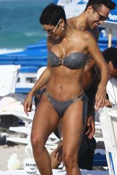 Nicole Murphy Bikini Candids - Miami, March 2015