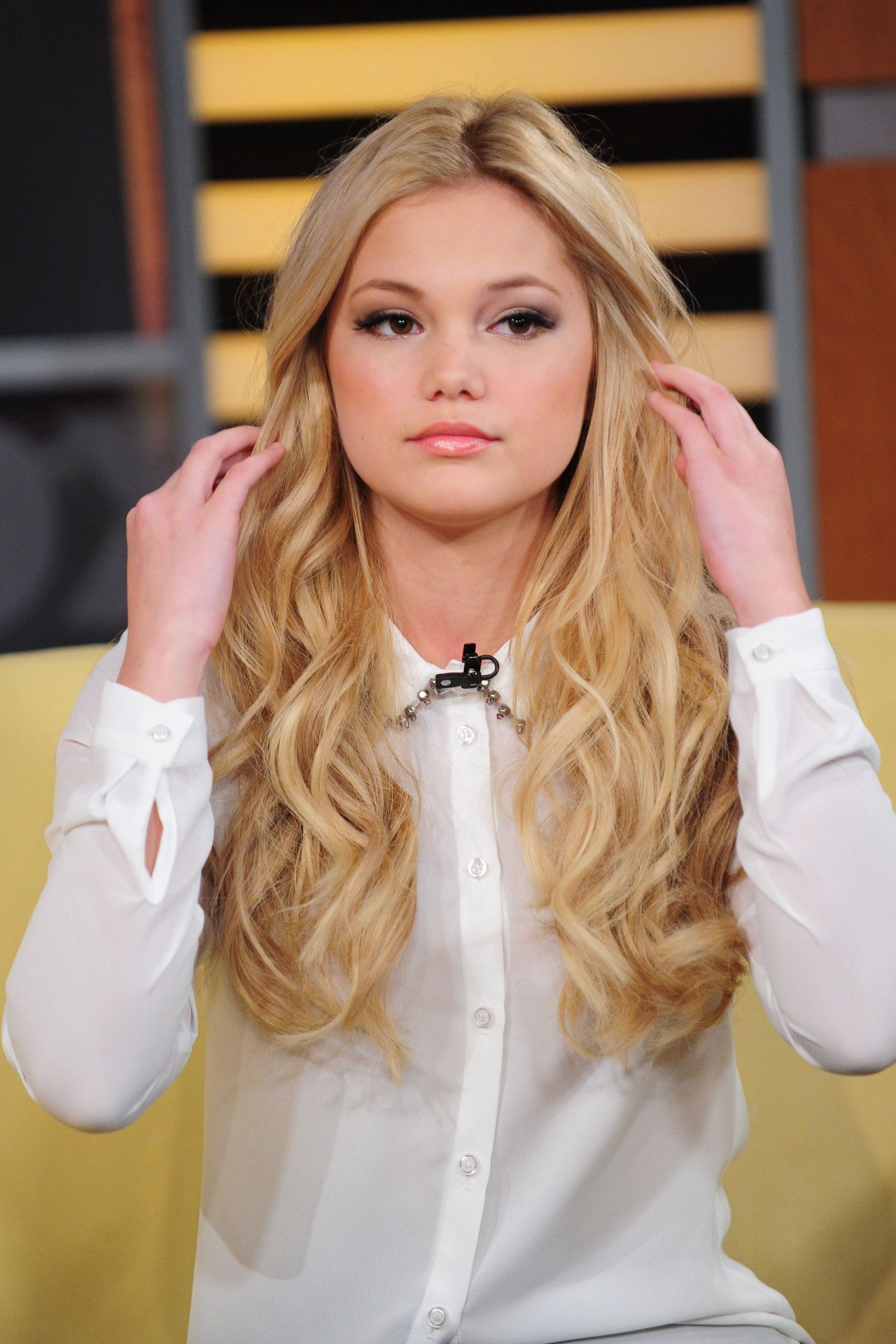 Fotos De Olivia Holt olivia holt at 'good day new york' in nyc, march 2015