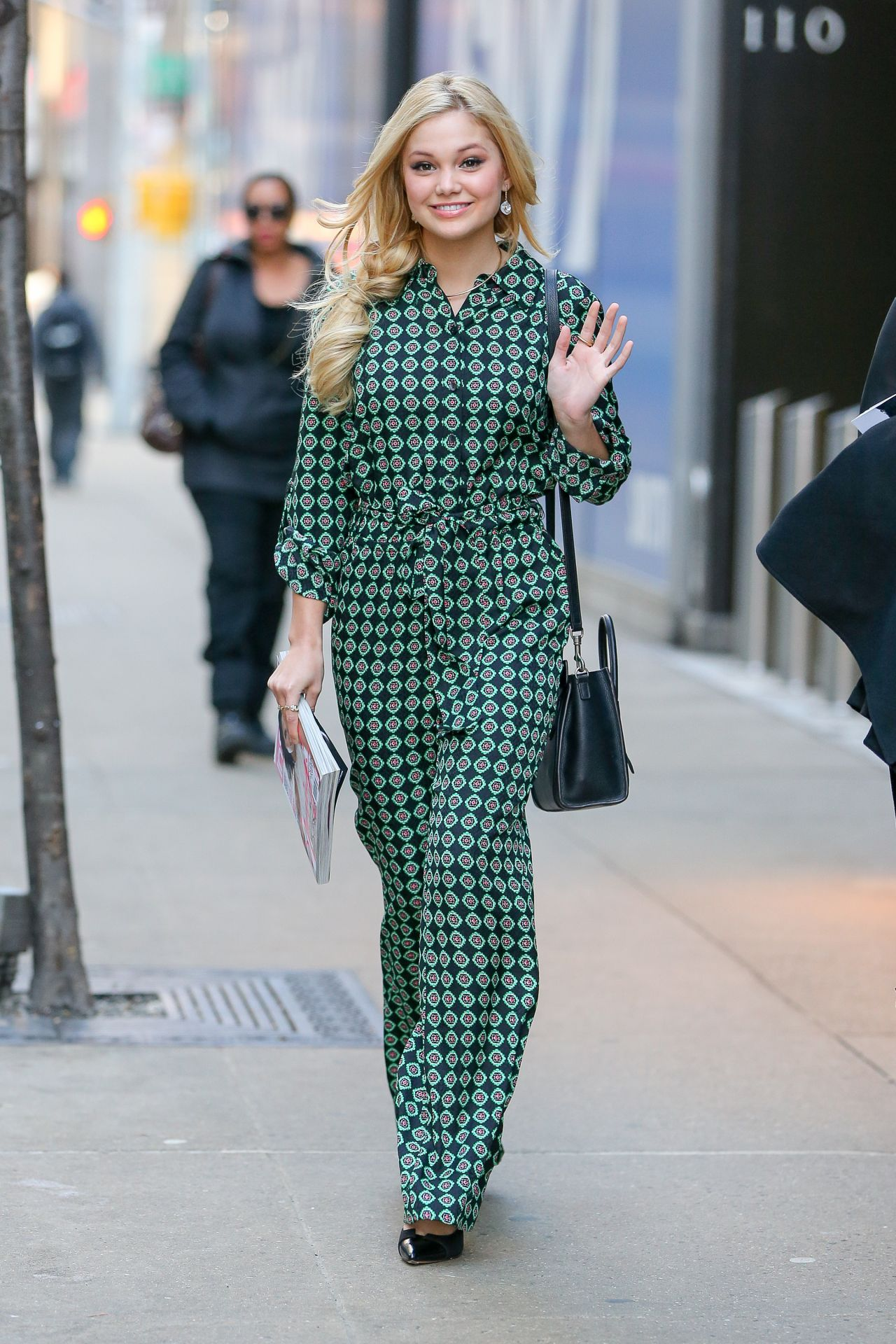 Olivia Holt Style Leaving The Instyle Offices In New