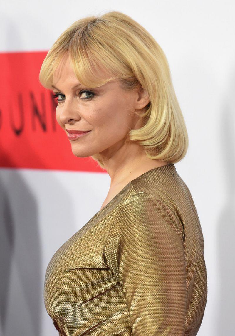 Pamela Anderson Red Carpet Pics - 'The Gunman' Premiere in ... Pamela Anderson