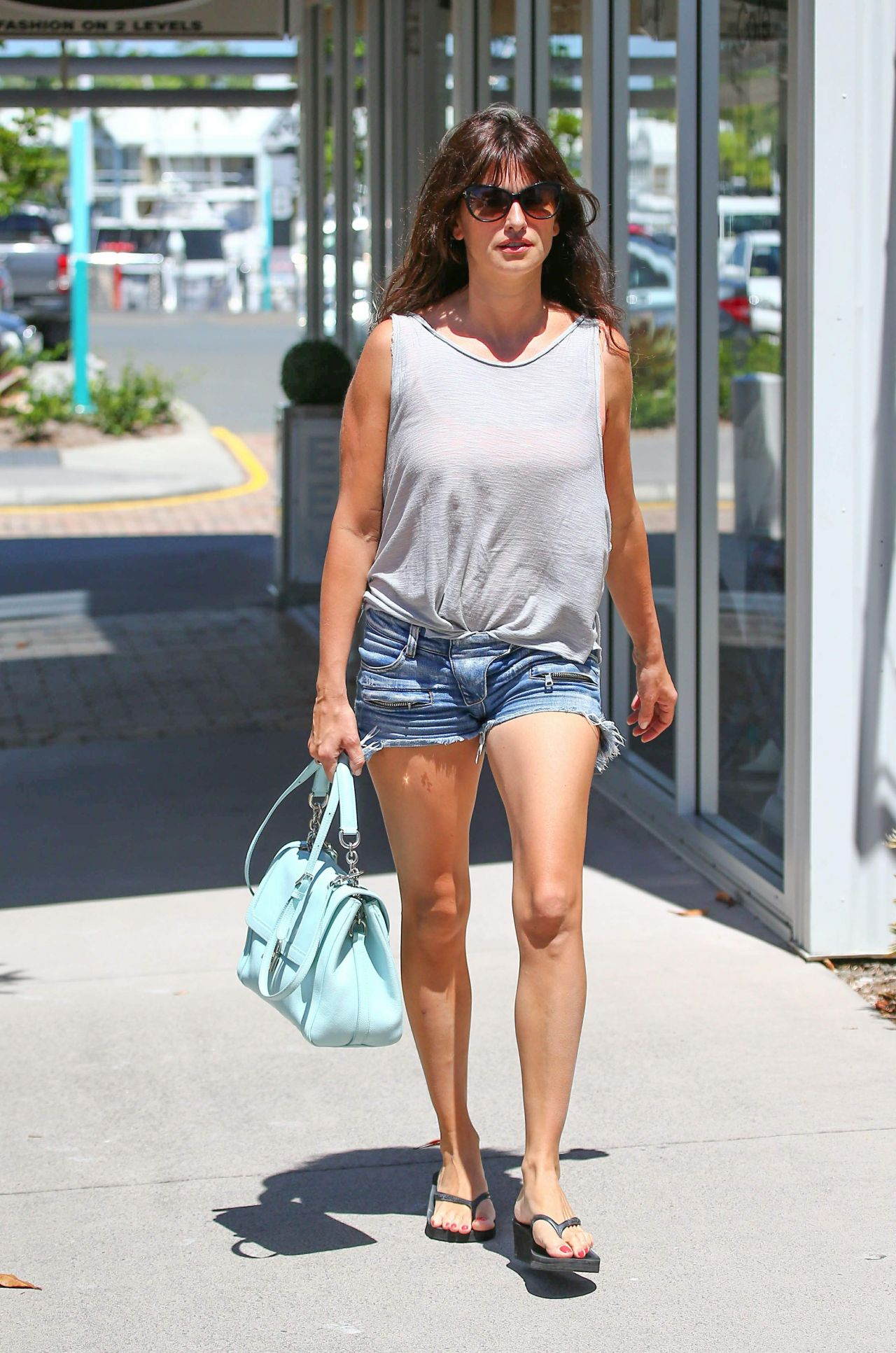Kristen stewart casual style shorts