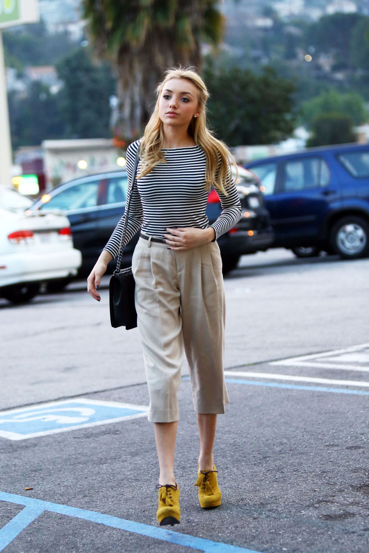 Peyton Roi List Casual Style Grocery Shopping March 2015