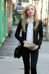 Peyton Roi List Casual Style - Out in New York City - March 2015