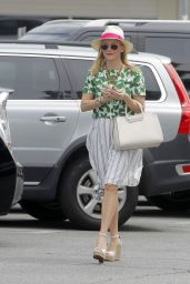 Reese Witherspoon Street Fashion - Out in Brentwood, March 2015