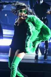 Rihanna Performs at 2015 iHeartRadio Music Awards in Los Angeles