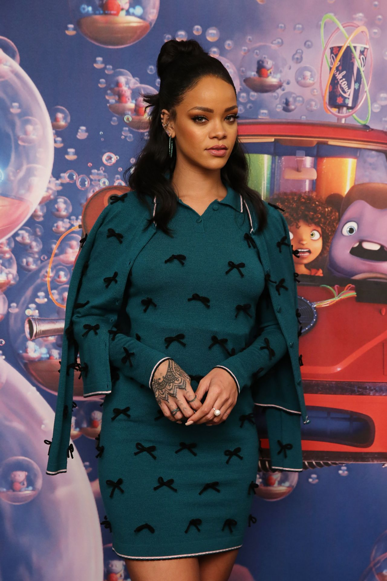 Rihanna - Promoting