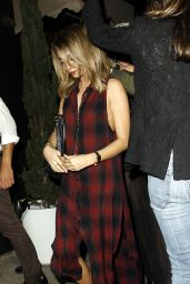 Sarah Hyland at The Nice Guy Restaurant in West Hollywood, March 2015