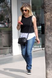 Sarah Michelle Gellar - Shopping in Los Angeles, March 2015