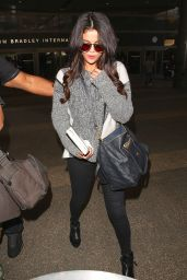 Selena Gomez Casual Style - Arrives at LAX Airport in Los Angeles, March 2015