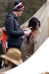 Selena Gomez - Set of