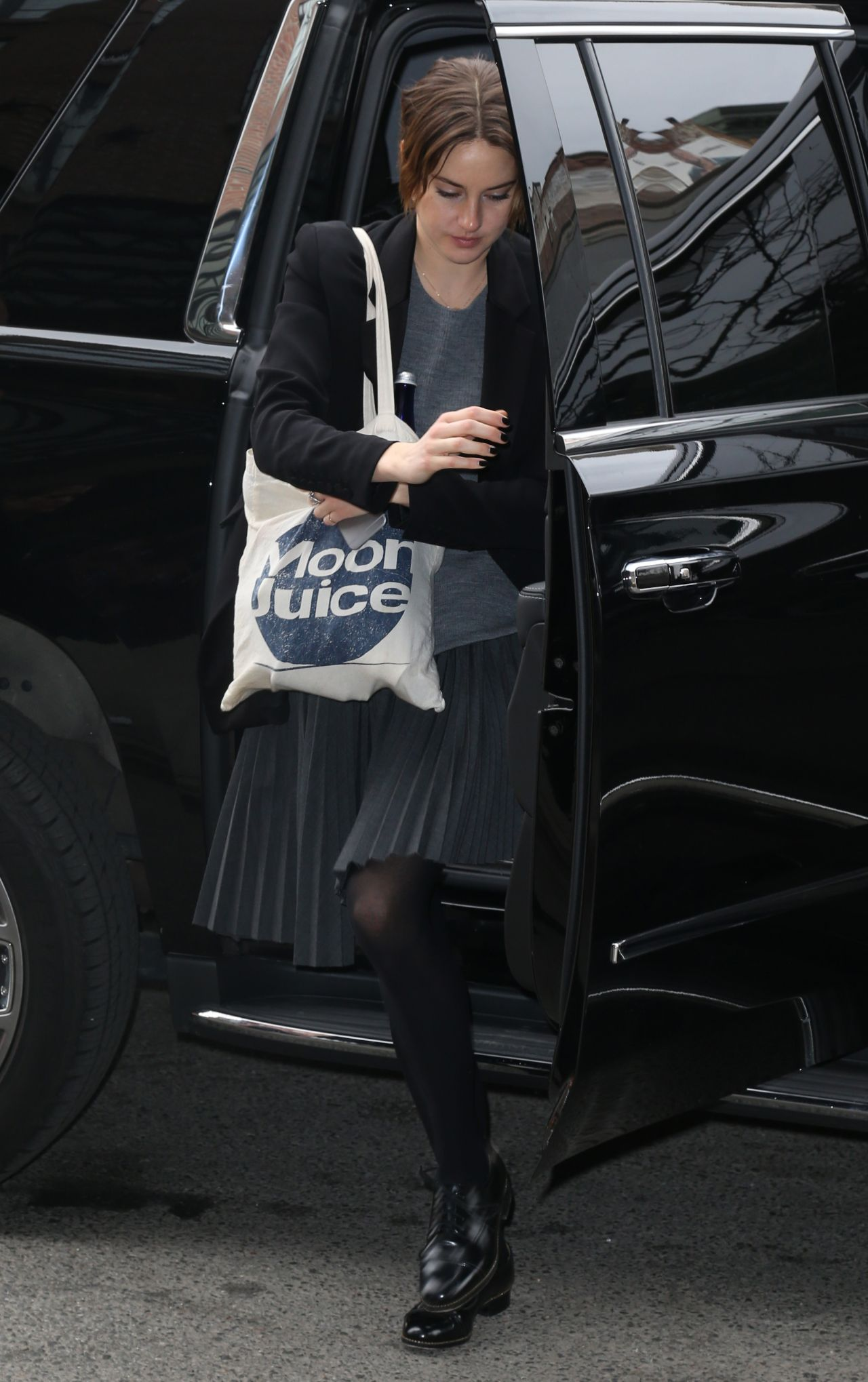 Shailene Woodley At Her Hotel In New York City March 2015
