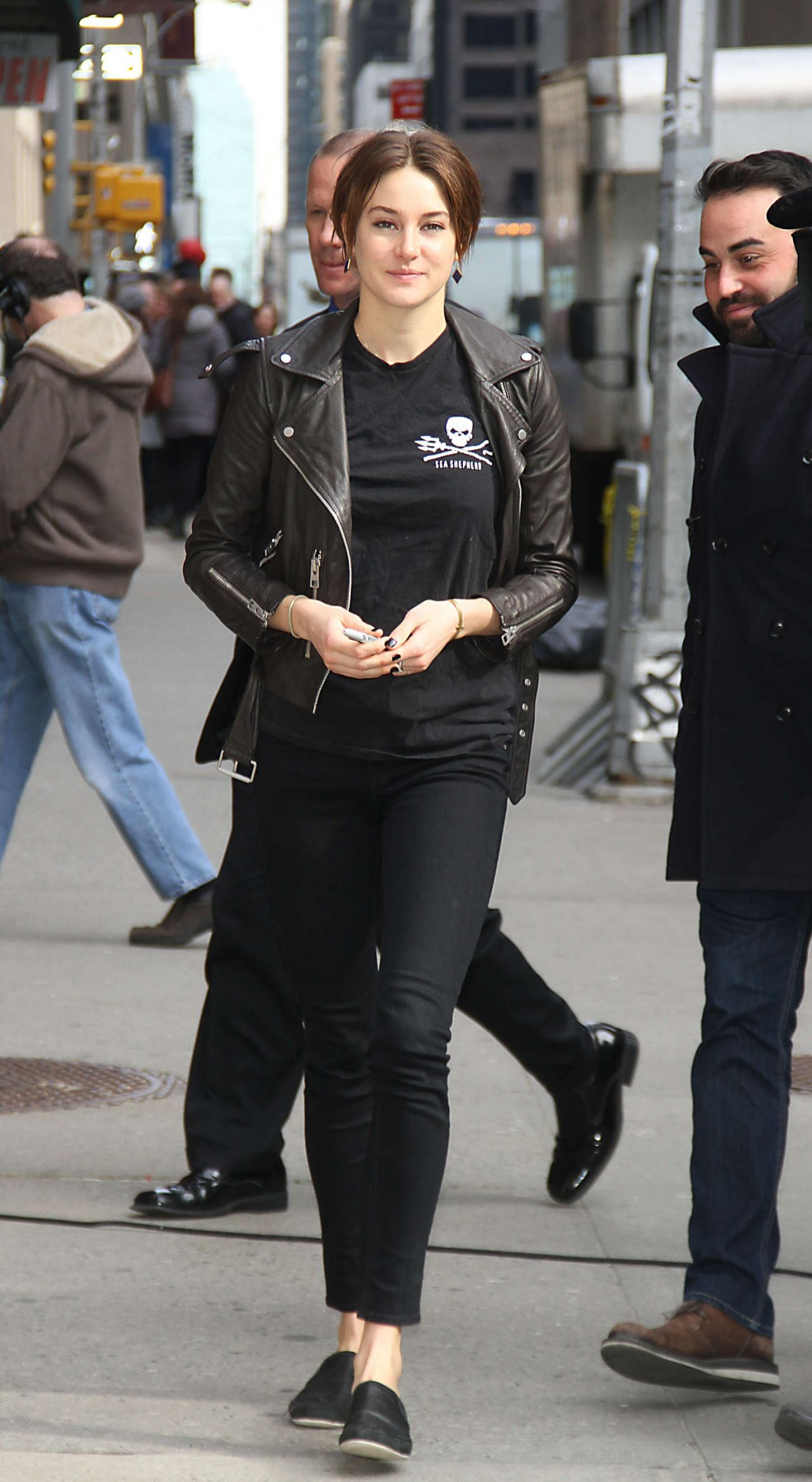 Shailene Woodley Street Style At The Late Show With