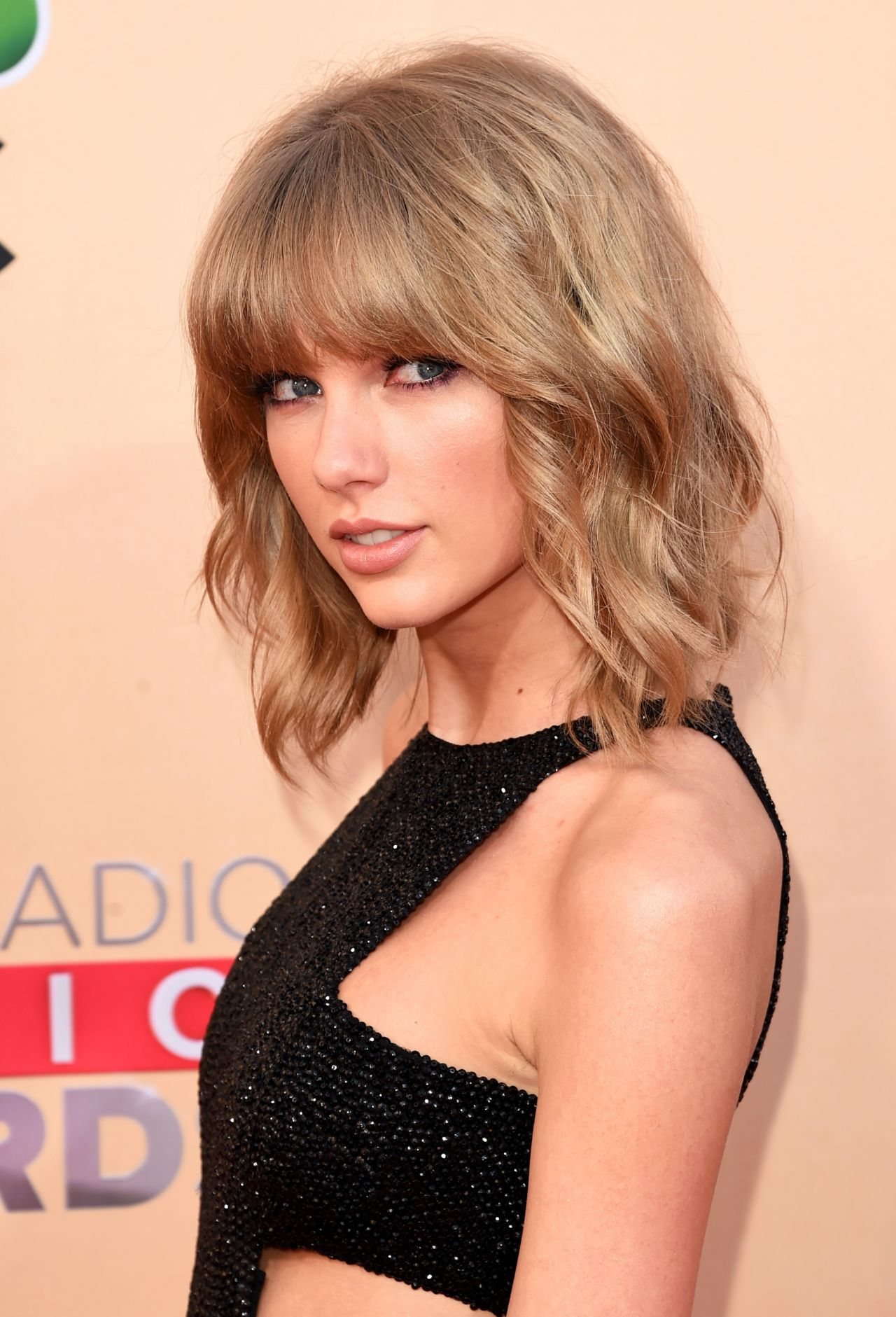 Taylor Swift – 2015 iHeartRadio Music Awards in Los Angeles Taylor Swift