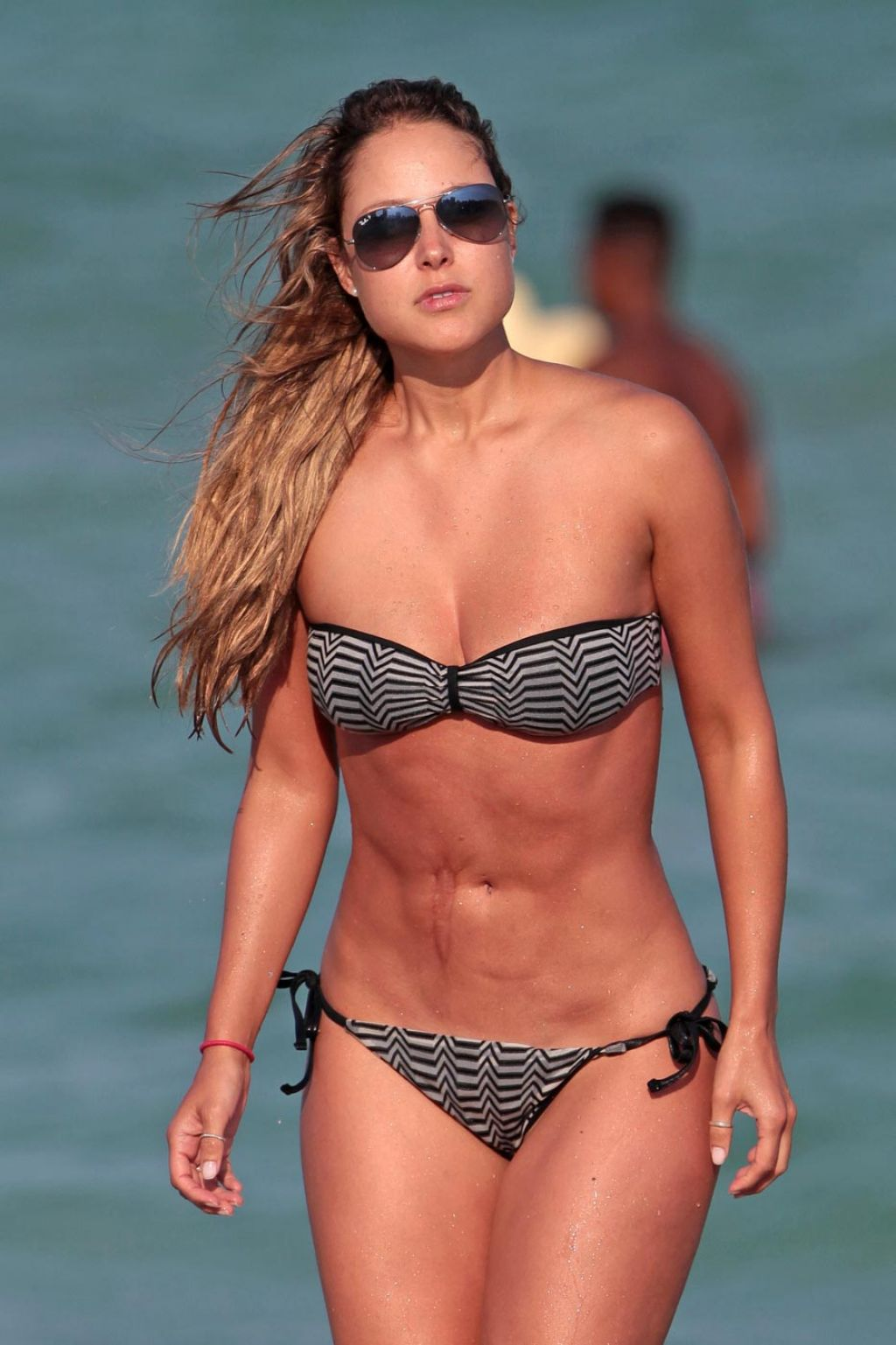 Marcas de bikini 06 - 2 part 2