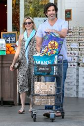 Amy Smart - Shopping at Bristol Farms in West Hollywood, April 2015