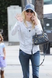 Anna Faris Casual Style - Out in Studio City, April 2015