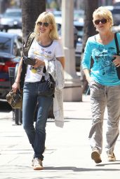 Anna Faris - Out in Los Angeles, April 2015
