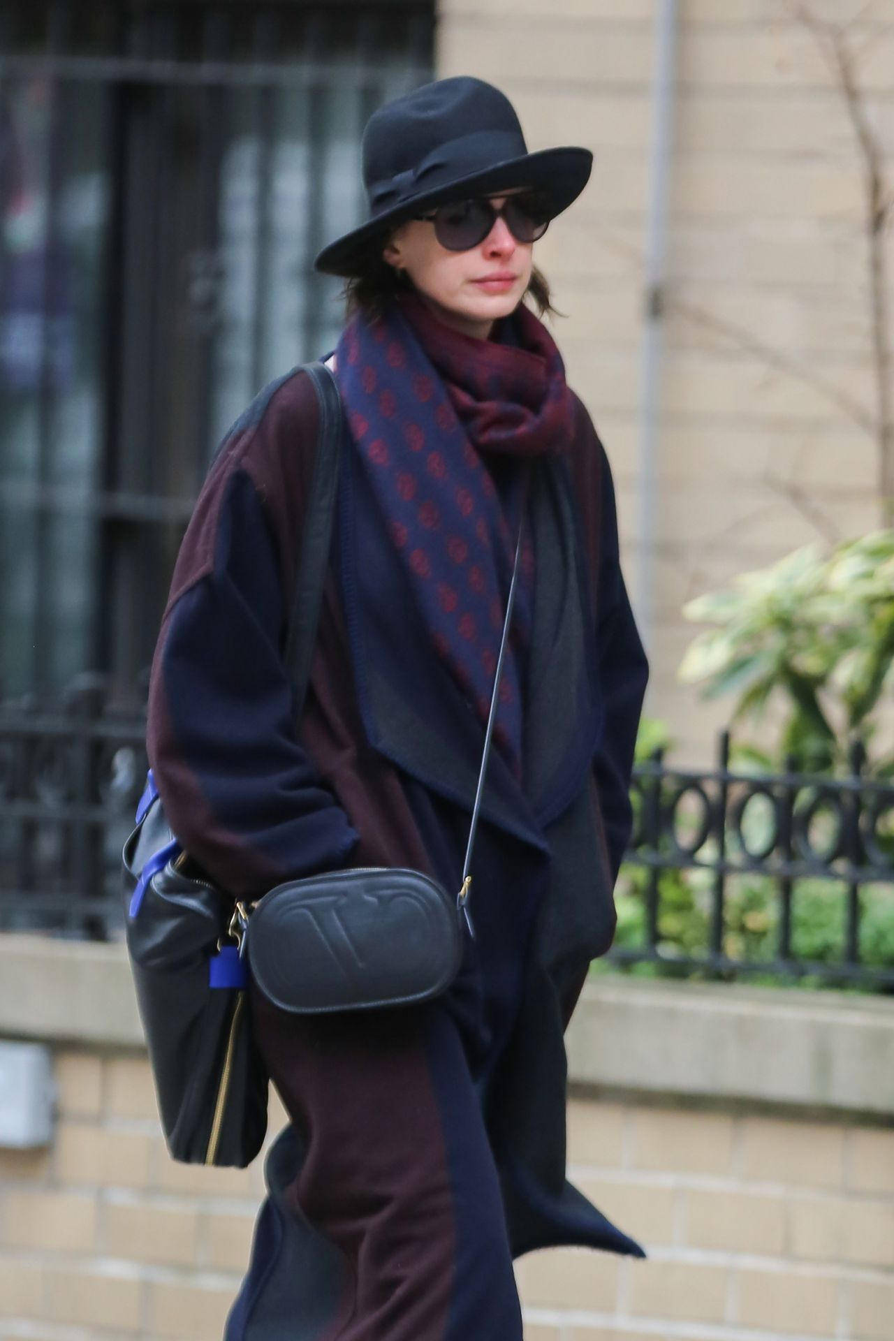 anne hathaway casual style - photo #16