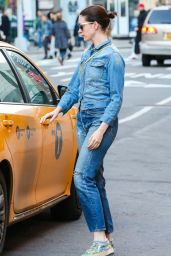 Anne Hathaway in Jeans - Out in New York City, April 2015