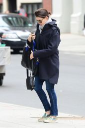 Anne Hathaway Street Style - Out in New York City, April 2015