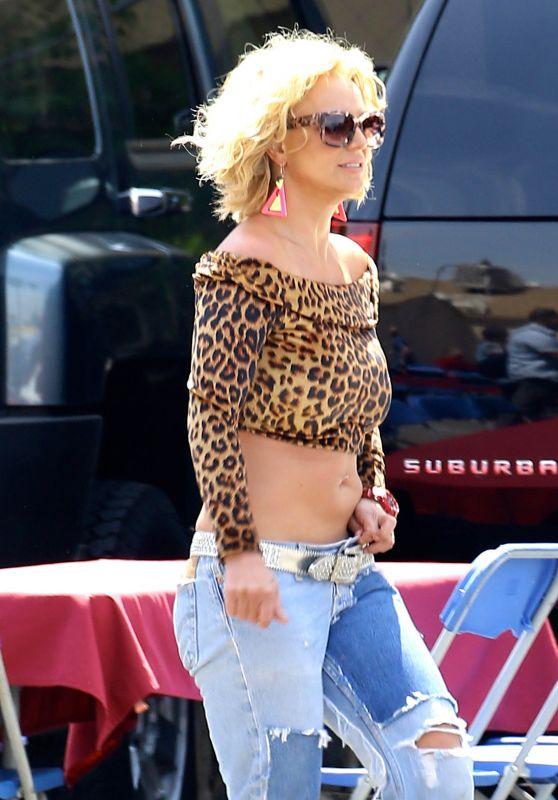 Britney Spears - Films music video for