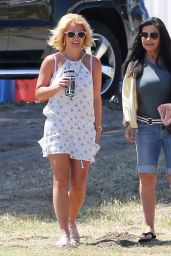 Britney Spears - Out in Calabasas, April 2015
