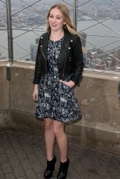Britt Robertson and Scott Eastwood - Visiting the Empire State Building in NYC