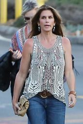 Cindy Crawford - Arriving at the Gregg Allman Concert at the Canyon Club in Agoura Hills