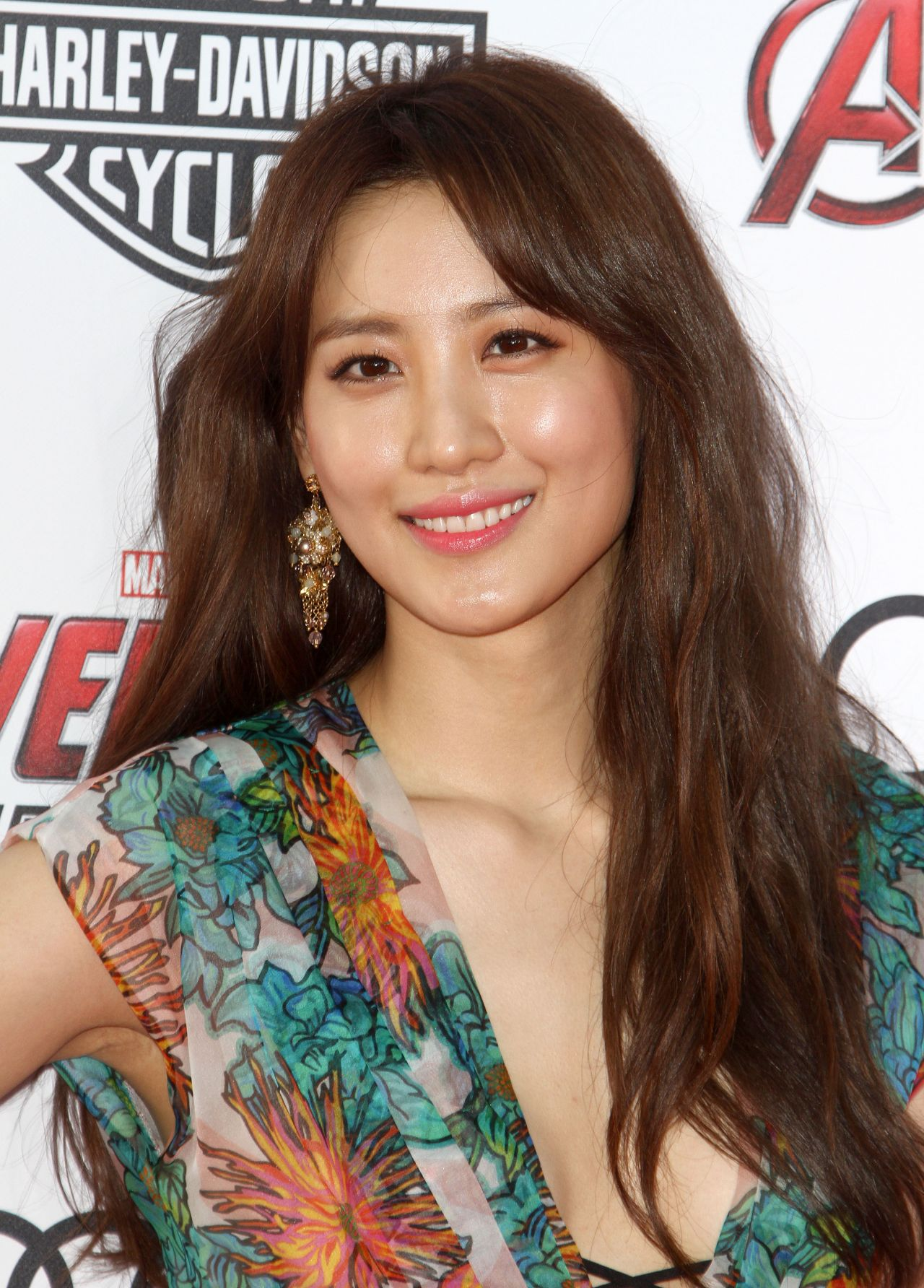 Claudia Kim Avengers Age Of Ultron Premiere In Hollywood