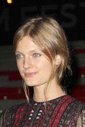 Constance Jablonski – Annual VANITY FAIR Party in NYC, April 2015