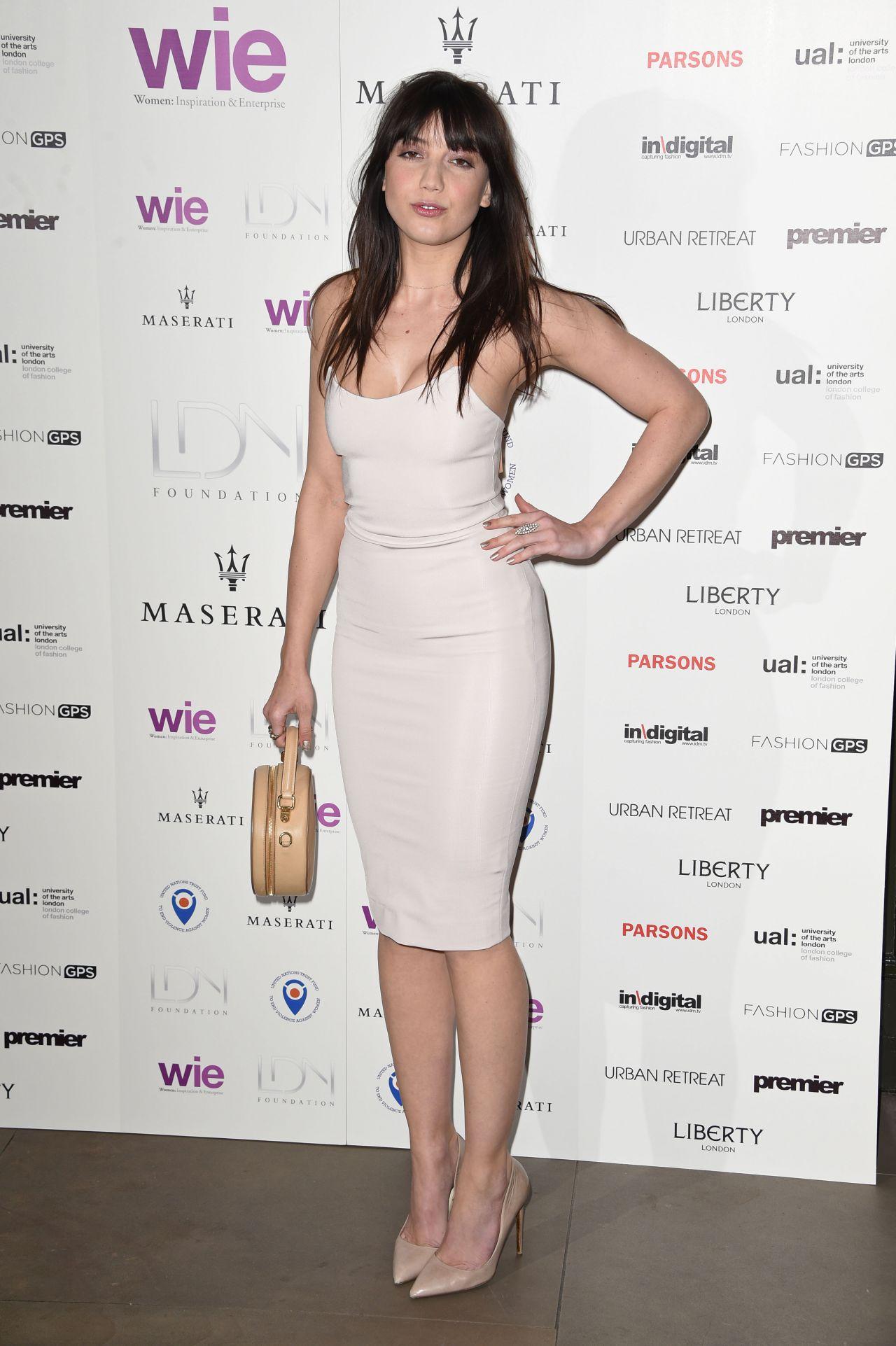 Daisy Lowe – LDNY Fa... Peyton Roi List Kids Choice Awards