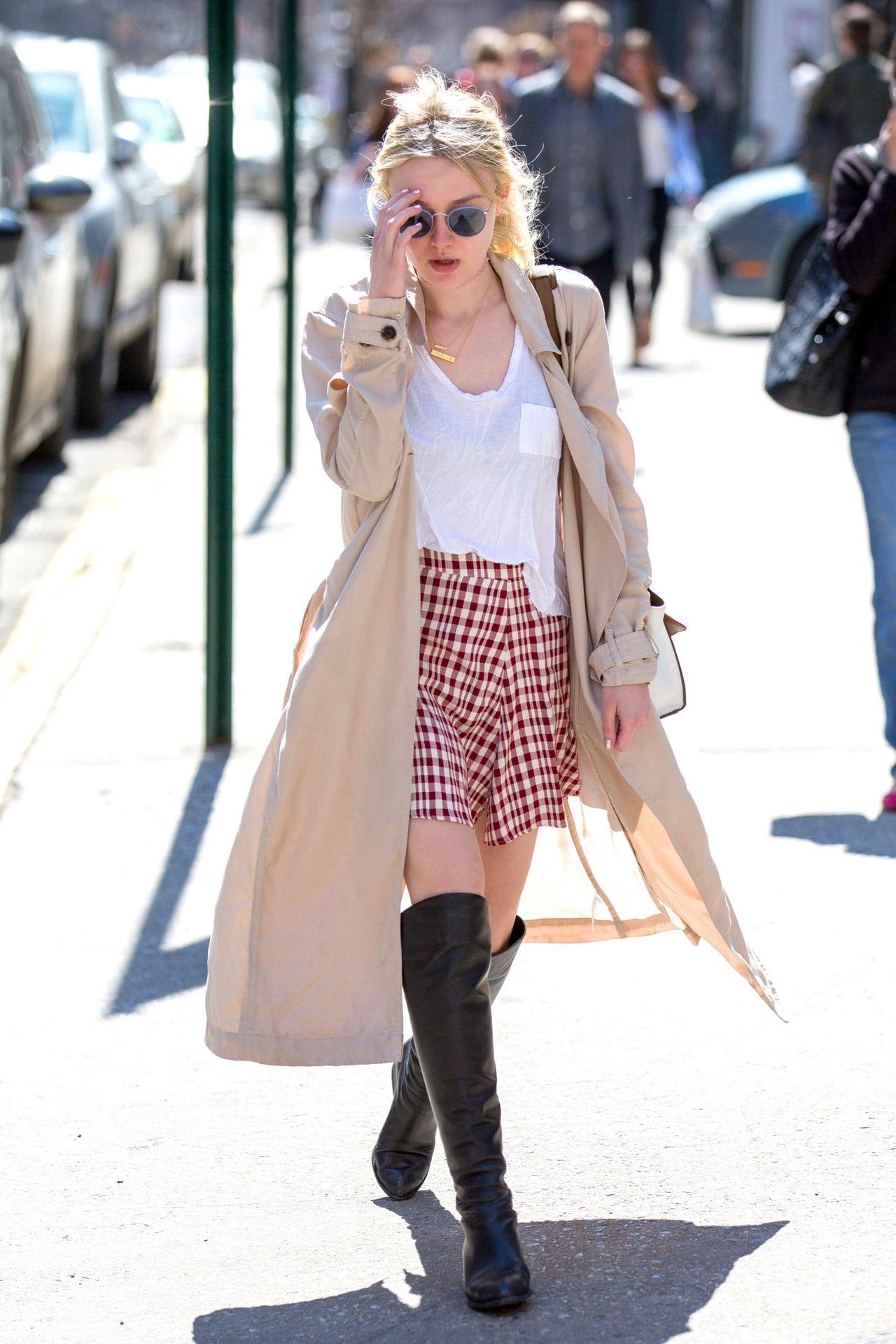 Dakota Fanning Street Fashion - Out in NYC, April 2015