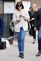 Dakota Johnson - Arriving on Set of