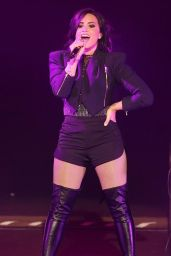 Demi Lovato Performs at the Crowne Theatre in Perth, Australia, April 2015