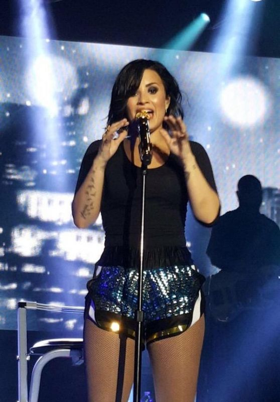 Demi Lovato Performs at World Tour in Sydney, Australia, April 2015