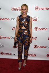 Elizabeth Banks – 2015 CinemaCon Big Screen Achievement Awards in Vegas