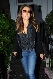 Elizabeth Hurleyin Jeans - Out in London, April 2015