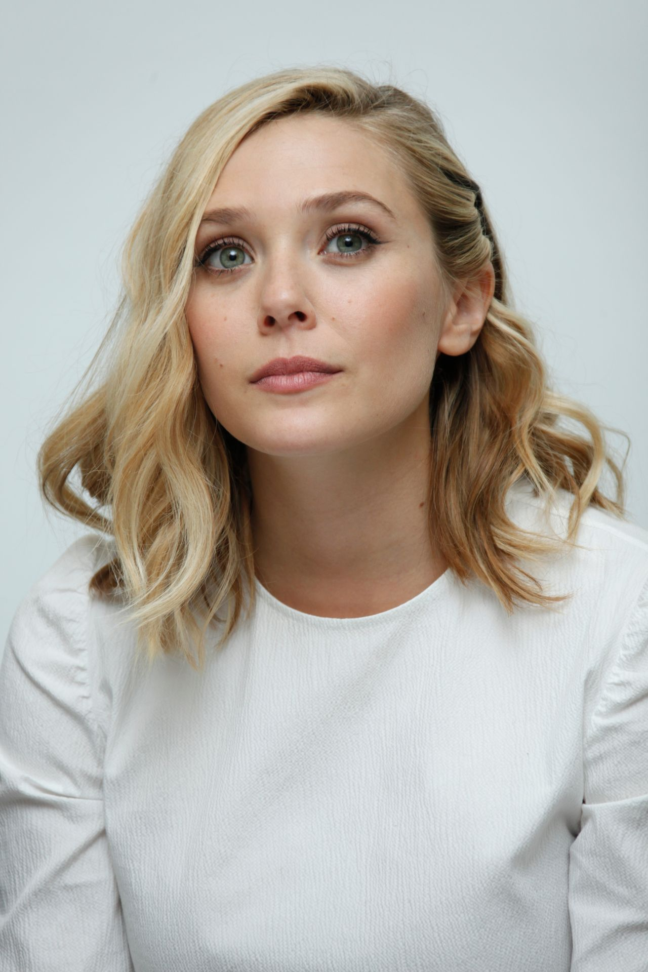 Elizabeth Olsen Avengers Age Of Ultron Press Conference