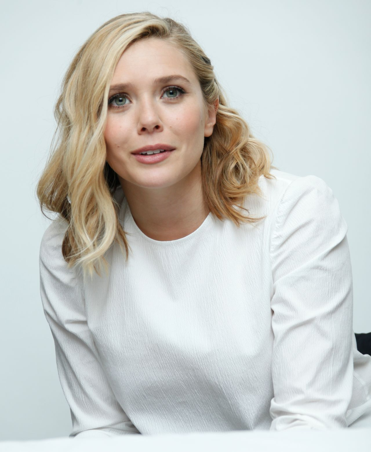 Elizabeth Olsen Avengers Age Of Ultron Press Conference