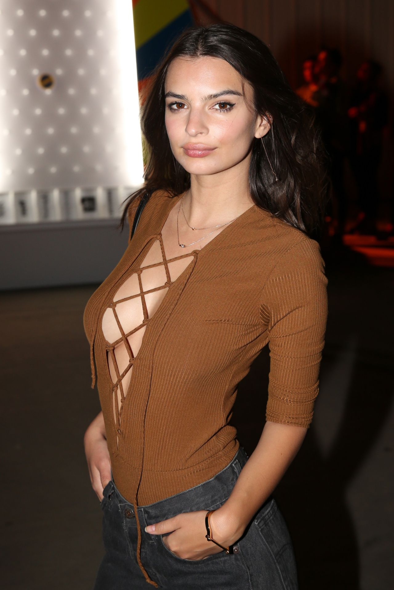 Emily Ratajkowski – NEON Carnival With PacSun in Thermal, California