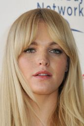 Erin Heatherton - Global Citizen 2015 Earth Day in Washington