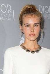 Isabel Lucas – Orchard Premiere of Dior and I in Los Angeles