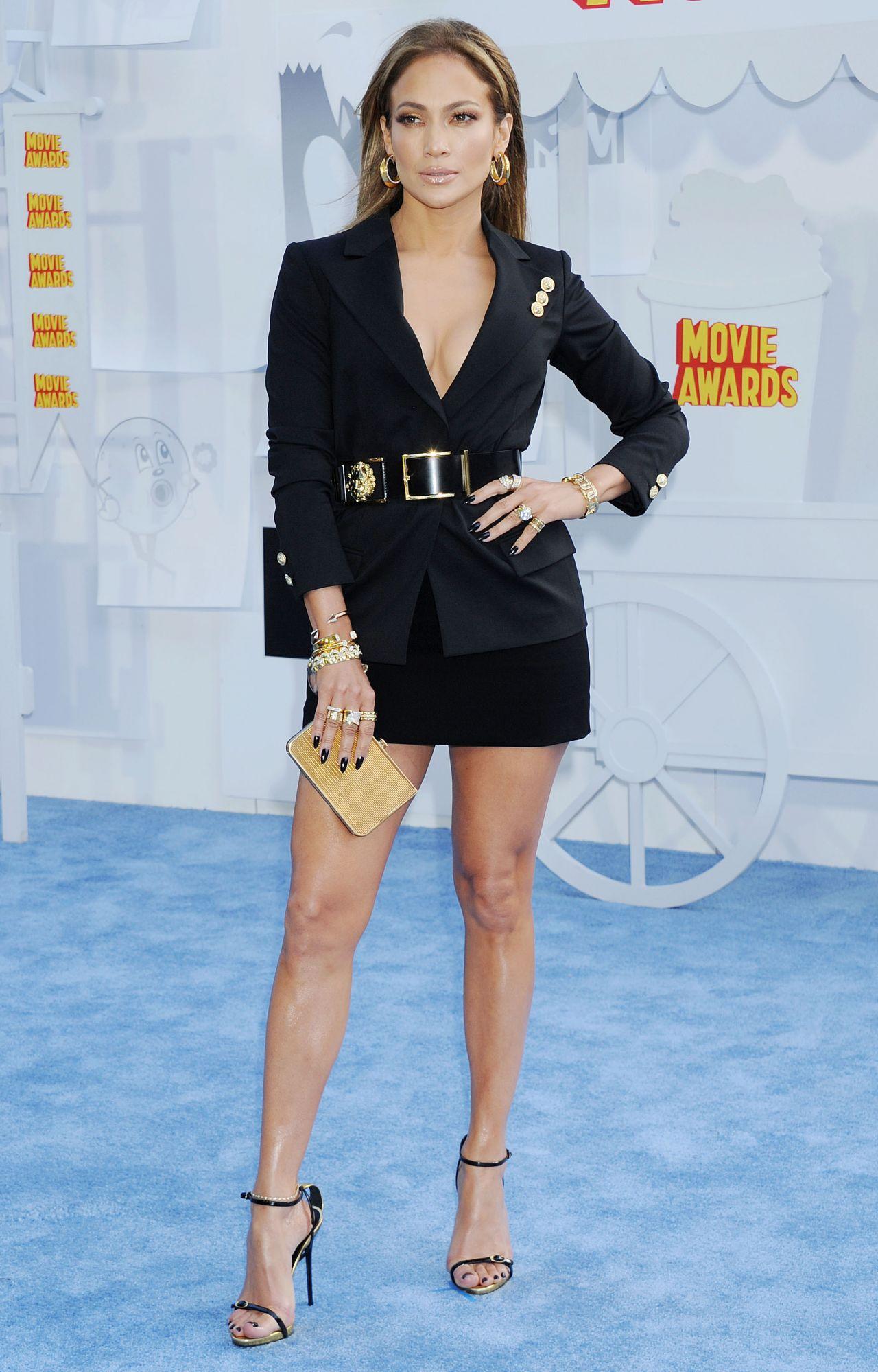 Jennifer Lopez in The 2015 MTV Movie Awards - Red Carpet 7