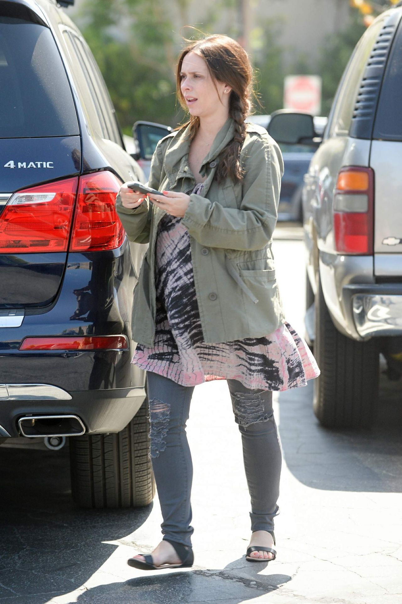 Jennifer Love Hewitt Grocery Shopping In Pacific