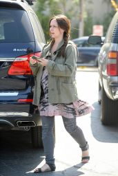 Jennifer Love Hewitt - Grocery Shopping in Pacific Palisades, April 2015